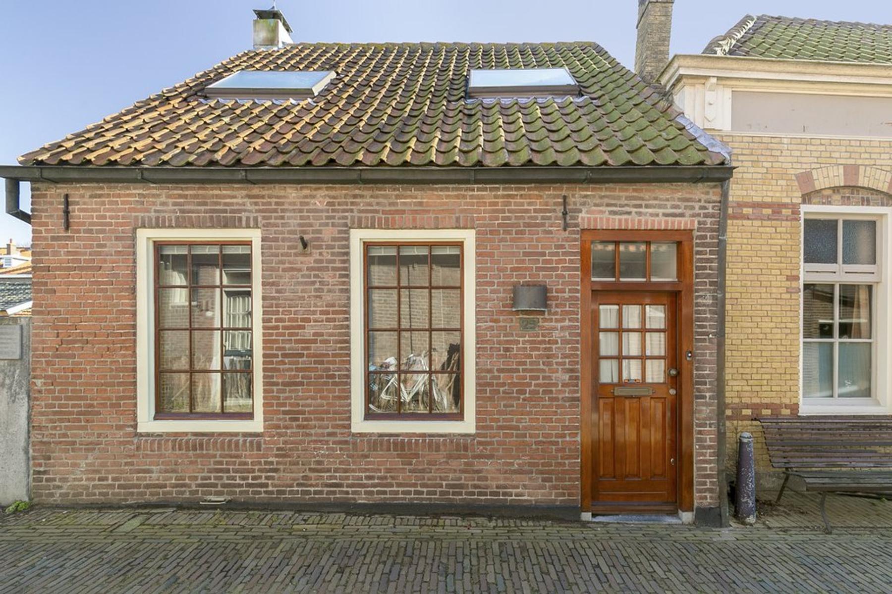 Jodengang 25 in Middelburg 4334 CL