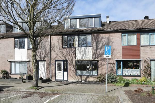 Markenstraat 6 in Emmeloord 8304 DZ