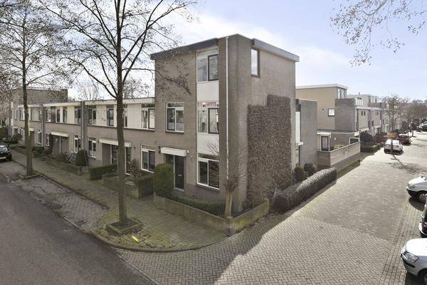 Bronsinklaan 17 in Deventer 7421 EM