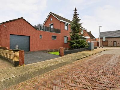 Dorpsstraat 196 in St. Willebrord 4711 EM