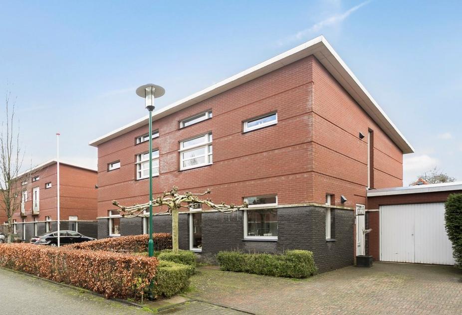 Josinahof 16 in Breukelen 3621 GC