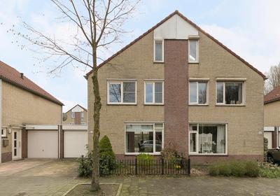 Saxofoonstraat 90 in Helmond 5702 KD