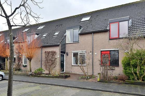 Friesewal 93 in Huizen 1274 HC