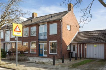 Ridderspoorstraat 32 in Nieuw-Vennep 2153 BV