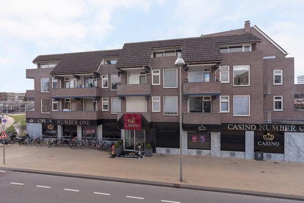 Stationsdwarsstraat 142 in Apeldoorn 7311 NW