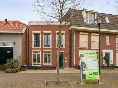 Pastoor De Vochtplein 4 in Sambeek 5836 BE