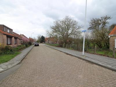 Langestraat 80 in Hoek 4542 AK