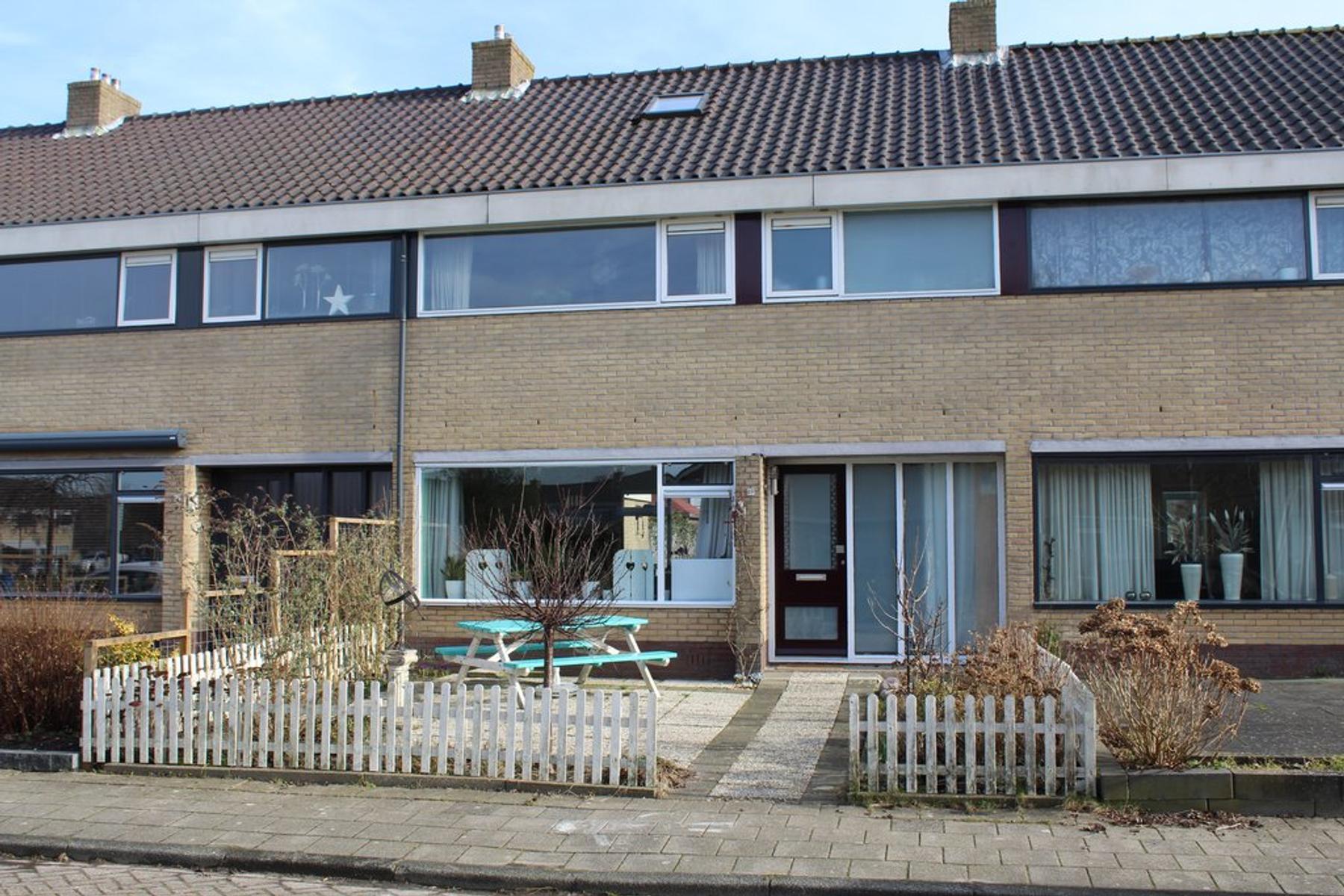 Cammingastraat 69 in Franeker 8802 ZK