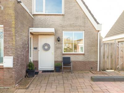 Michiel De Ruyterstraat 22 in Hellevoetsluis 3223 SJ