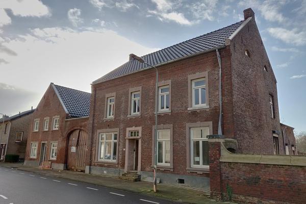 Maasheuvel 35 in Roosteren 6116 BS