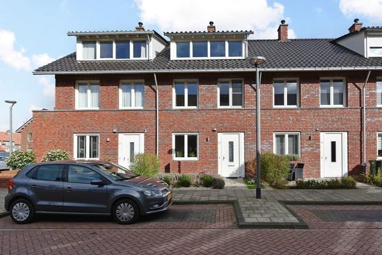 Turresstraat 20 in Naaldwijk 2672 HJ