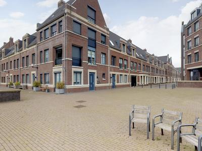 Terreplein 46 in Geertruidenberg 4931 DL