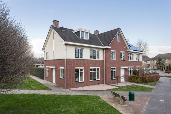 Wilhelminahof 7 in Dodewaard 6669 WH