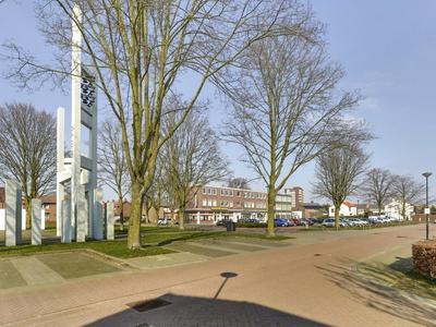 Nieuwlandstraat 2 in Venray 5801 VE
