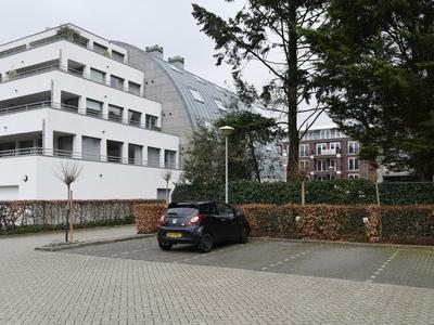2E Hogeweg 18 in Zeist 3701 AZ