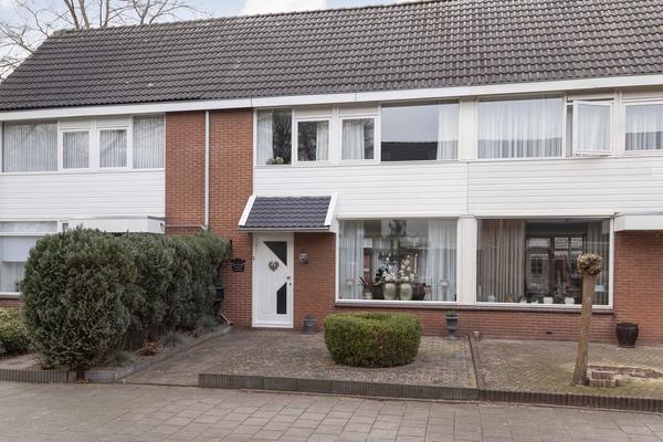 Elzenstraat 54 . in Kampen 8266 BM