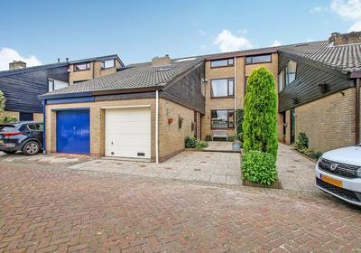 Esdoorn 19 in Maassluis 3142 KA