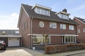 Dien Van Hemertstraat 21 in 'S-Hertogenbosch 5221 JN