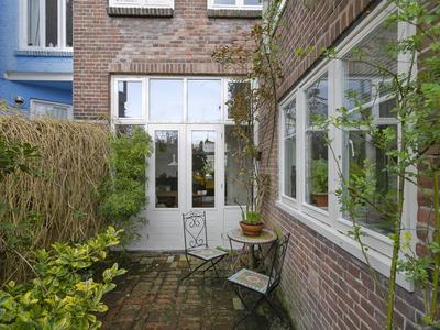 Emmakade 144 in Leeuwarden 8933 AX