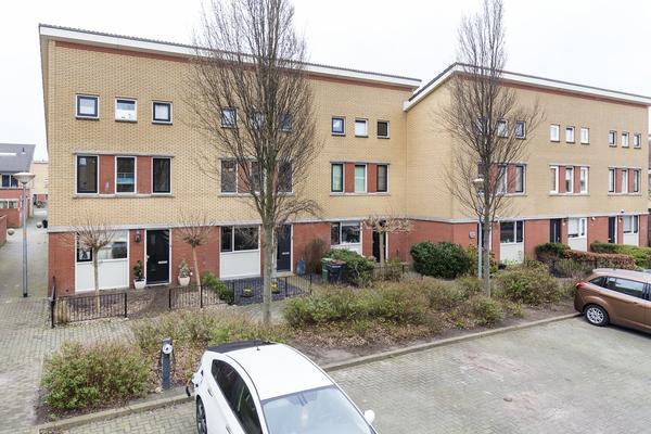 Cronenstein 44 in Nieuw-Vennep 2151 EN