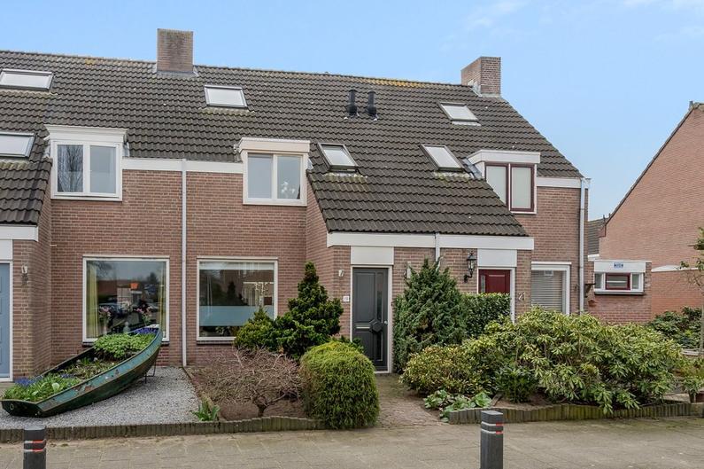 Van Limburg Stirumlaan 19 in Vlijmen 5252 AD
