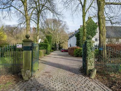 Kasteel Genbroekstraat 16 in Beek 6191 KT