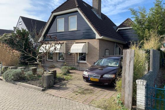 Zuiderhout 77 in Blokker 1695 AT