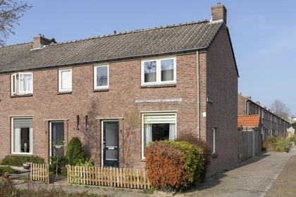 Pieter De Hooghstraat 6 in Deventer 7412 RX