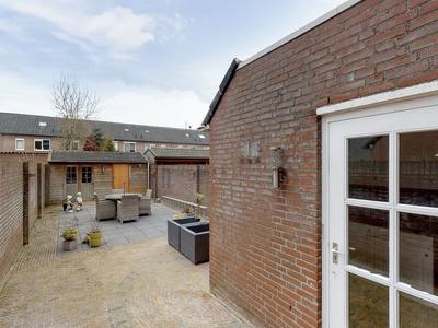 Ambrosius Rozendaelstraat 25 in Geertruidenberg 4931 RD