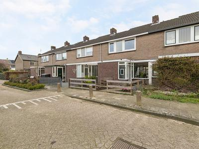 Kievitstraat 8 in Vianen 4131 CX