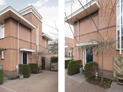 Dombosch 11 in Hooglanderveen 3829 DL