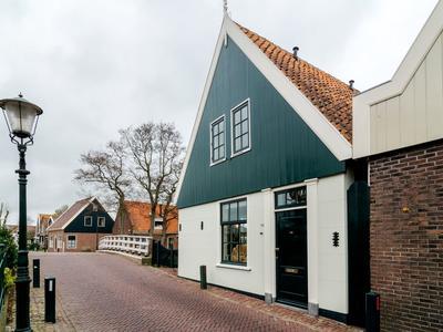 Rechtestraat 176 in De Rijp 1483 BH