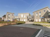Van Zeylstraat 20 in Oud-Vossemeer 4698 DC