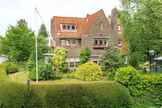 Zonnelaan 15 in Hilversum 1217 NE