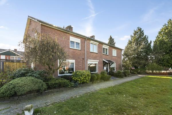 Kloppenstraat 102 in Losser 7581 EE