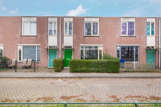 Grondzeilerplantsoen 76 in Almere 1333 BT