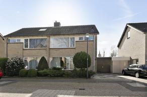 Nonnenveld 32 in Oosterhout 4901 ZR