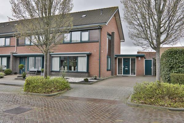 Schoklandstraat 12 in Hoogeveen 7906 BH