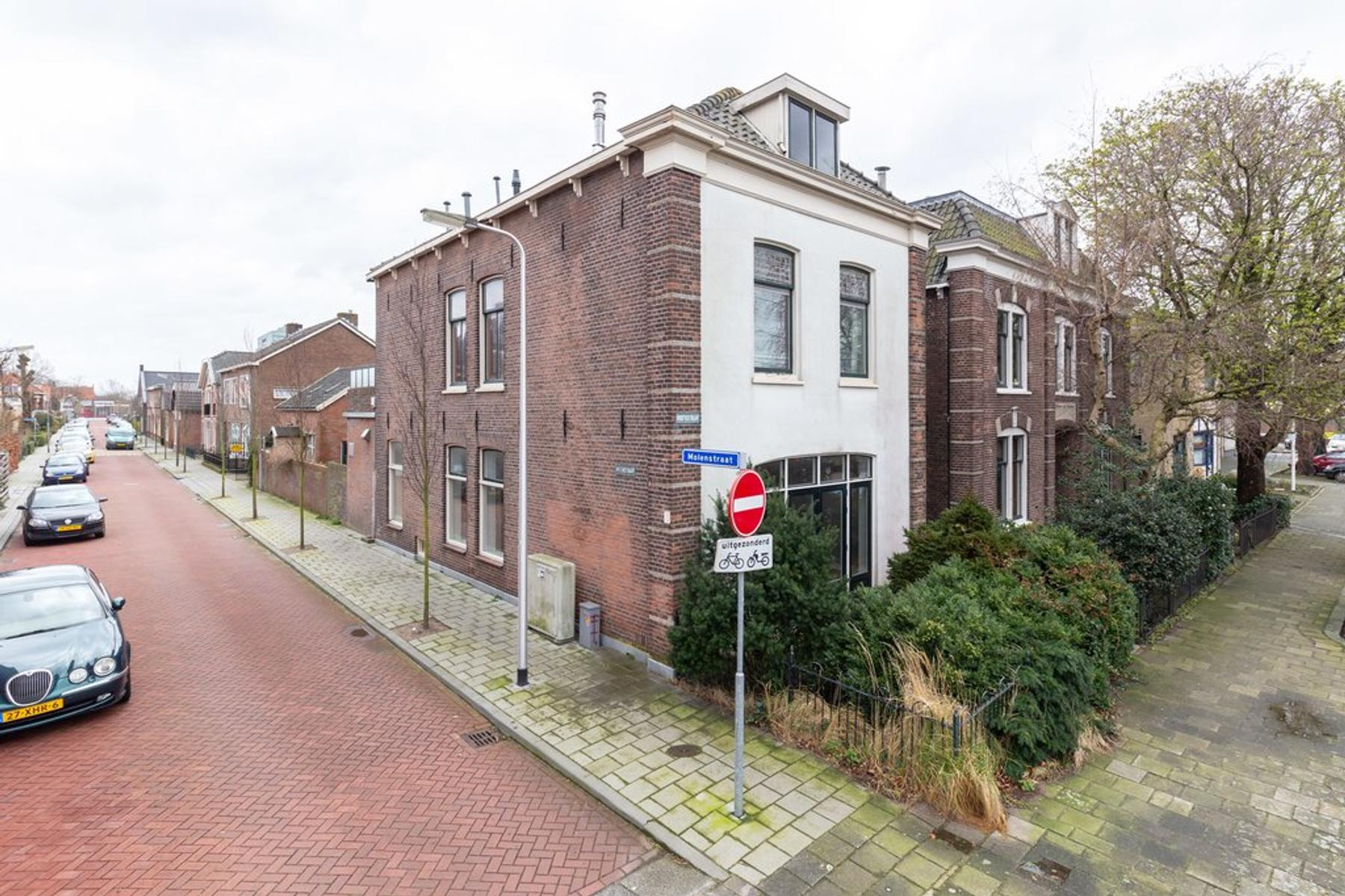 Hoofdstraat 298 in Sassenheim 2171 BS