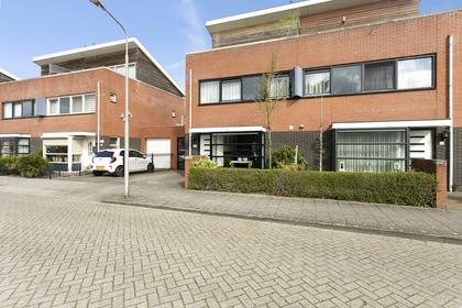 Martinus Nijhofflaan 21 in Roosendaal 4707 NJ