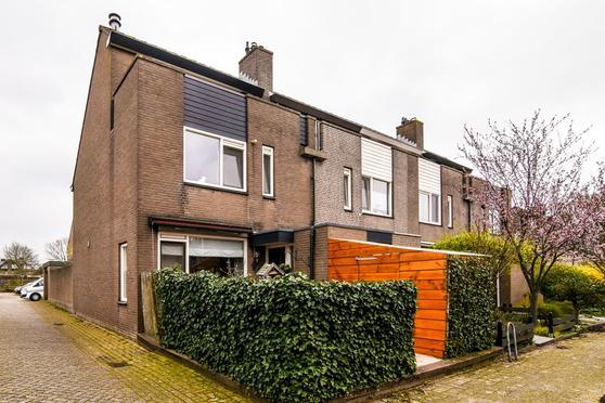 Goudmos 91 in Nieuwerkerk A/D IJssel 2914 AG