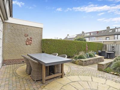 Meeuwenlaan 34 in Noordwijkerhout 2211 KR
