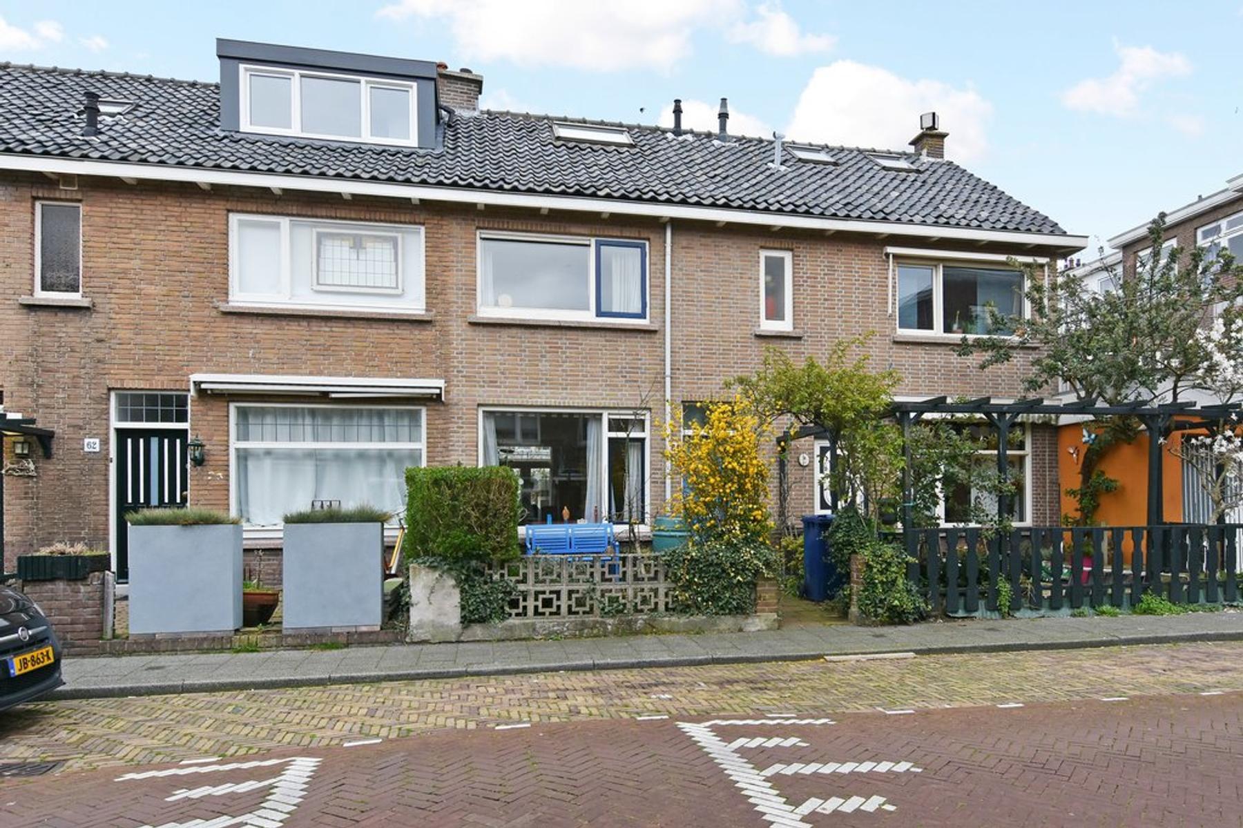 Boendalestraat 64 in 'S-Gravenhage 2531 XM