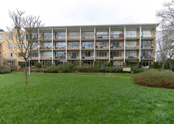 Eslaan 58 in Bussum 1404 EJ