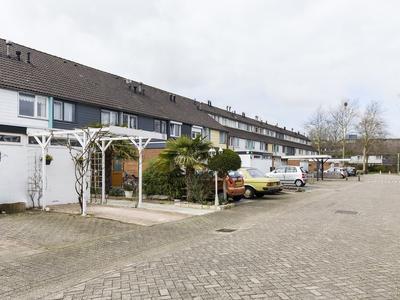 Kinlozen 92 in Nieuw-Vennep 2151 XE