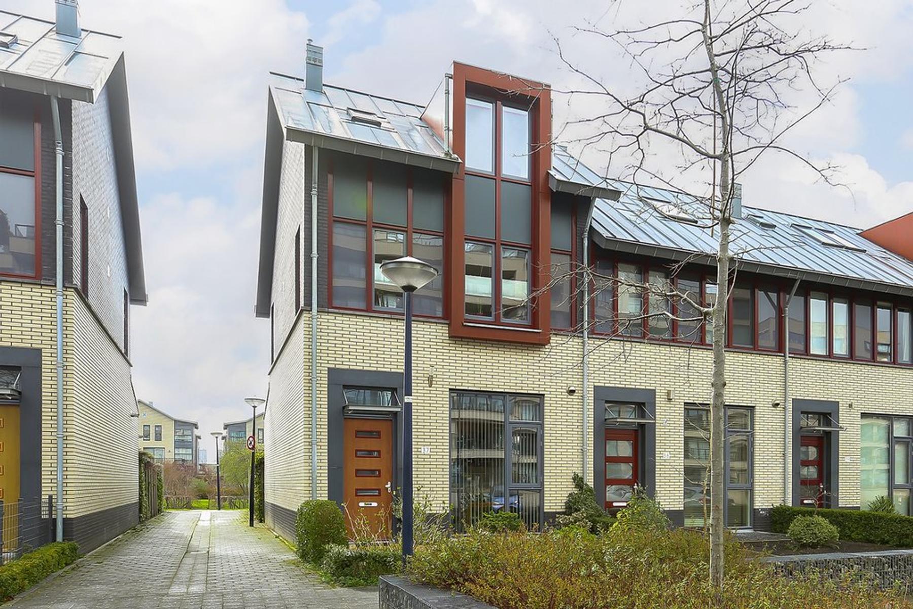 De Streektuinen 37 in Hoorn 1624 GN