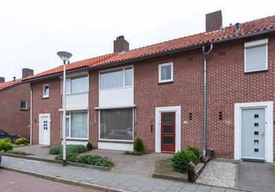 Mr. Van Sonstraat 14 in Valkenswaard 5554 TJ