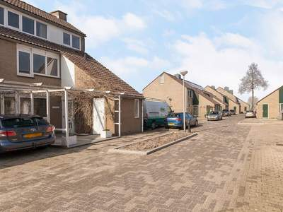 Delfland 9 in Roelofarendsveen 2371 PH