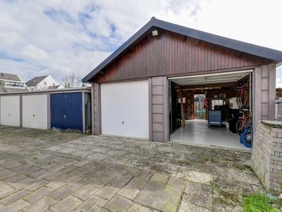 Peulenstraat-Zuid 75 in Hardinxveld-Giessendam 3371 AL