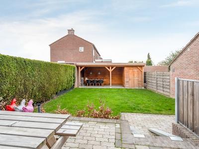 Ruys De Beerenbroucklaan 54 in Urmond 6129 HD